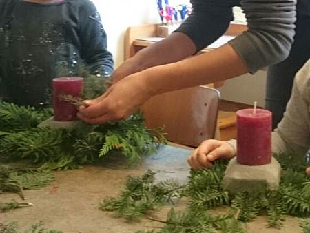 Mit Kindern Adventsgestecke Basteln Mit Den Kindern Durchs Gartenjahr