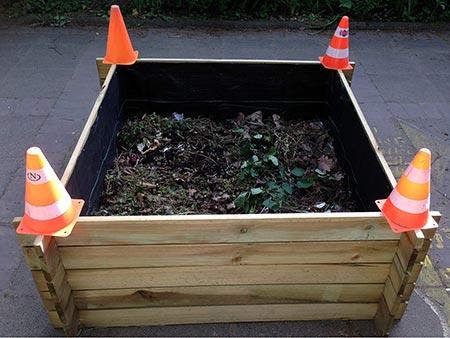 Kompostschicht des Hochbeets.